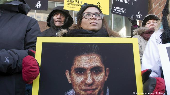 المدون رائف بدوي من أشهر من نفذت في حقهم عقوبة الجلد بسبب آرائه.