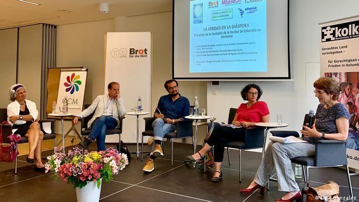 Diskussion über die Rolle der Wahrheit in Kolumbien
