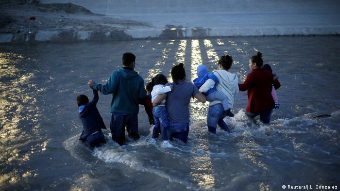 Біженці поблизу кордону США
