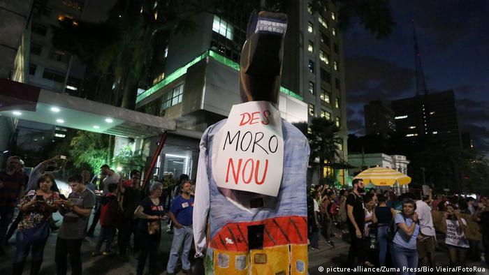 Brasilien Sao Paolo | Protest gegen Bildungspolitik und Pensionskürzung | Moro raus