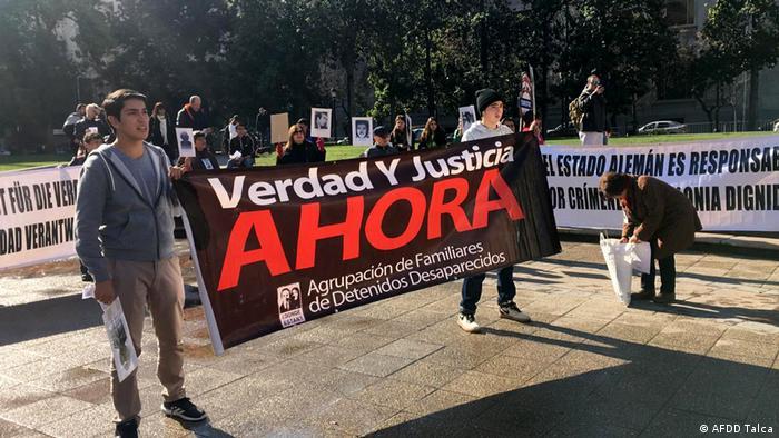 Protesta de la Agrupación de Familiares de Detenidos Desparecidos de Talca.