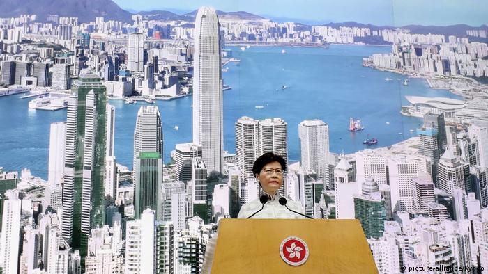 Hongkong Regierungschefin Carrie Lam (picture-alliance/Kyodo)