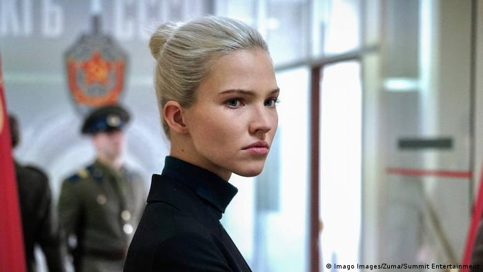 Filmstill aus Anna mit Hauptdarstellerin Sasha Luss (Imago Images/Zuma/Summit Entertainment)