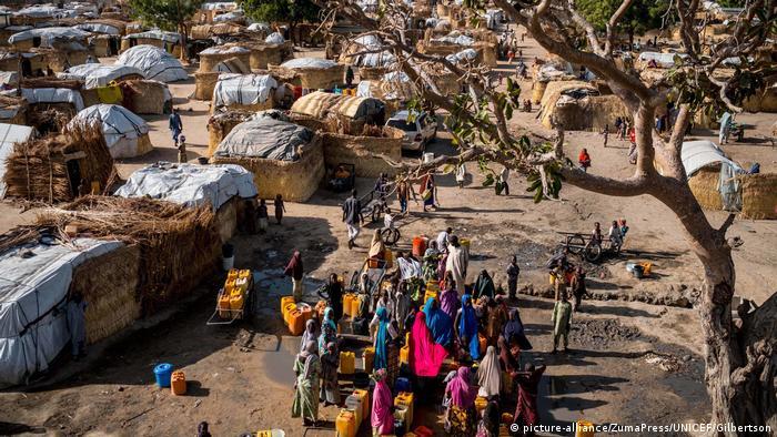 Nigeria Weltwassertag 2017 (picture-alliance/ZumaPress/UNICEF/Gilbertson)