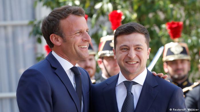 Frankreich Treffen Emmanuel Macron mit Wolodymyr Selenskyj in Paris (Reuters/P. Wojazer)