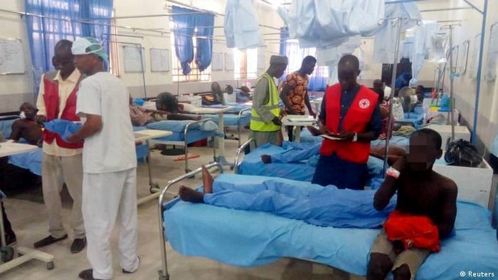 Nigeria Selbstmordanschlag in Konduga Verlezte im Krankenhaus von Maiduguri (Reuters)