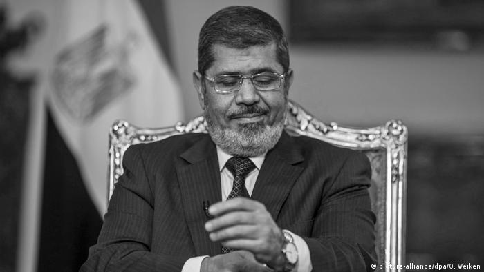 У Єгипті поховали колишнього президента Мухаммеда Мурсі