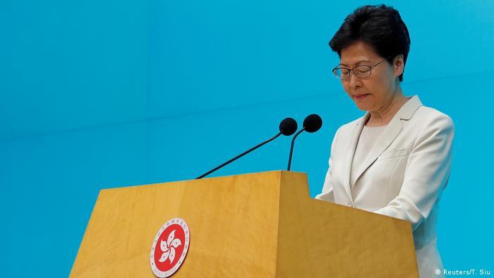 Hong Kong Massenproteste gegen Auslieferungsgesetz an China PK Carrie Lam (Reuters/T. Siu)