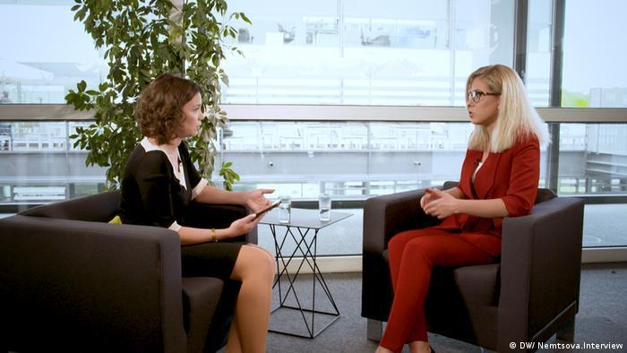 Жанна Немцова и Любовь Соболь во время интервью