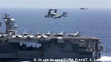 USS Abraham Lincoln und Marine Corps MV 22 Osprey Flugzeug