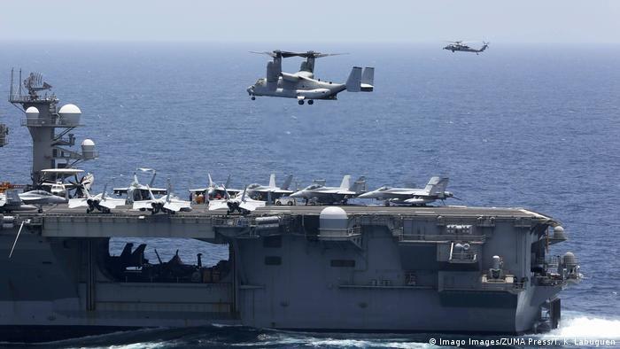 Američki nosač USS Abraham Lincoln nedaleko od Perzijskog zaljeva.