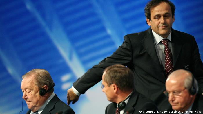 Michel Platini at the 2007 UEFA congress where he was elected president. (picture-alliance/Pressefoto Ulmer/B. Hake)