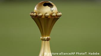 Afrika-Cup 2015 | Pokal (picture-alliance/AP Photo/T. Hadebe)