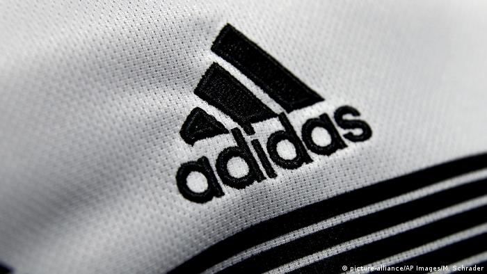Symbolbild Adidas (picture-alliance/AP Images/M. Schrader)