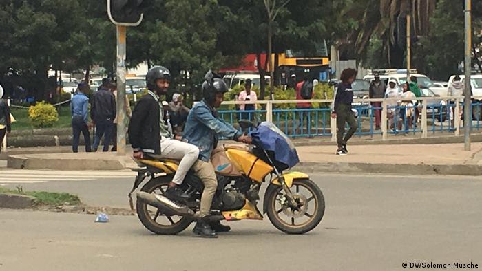 Äthiopien Addis Abeba Motorräder aus Stadt verbannt