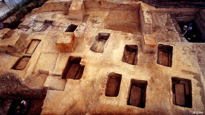 Gräber in den Archäologische Stätten von Liangzhu, China (Ditto)