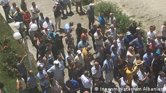 Albanien Berat | Unterstützer der Opposition wollen den Wahlprozess blockieren (Innenministerium Albanien)
