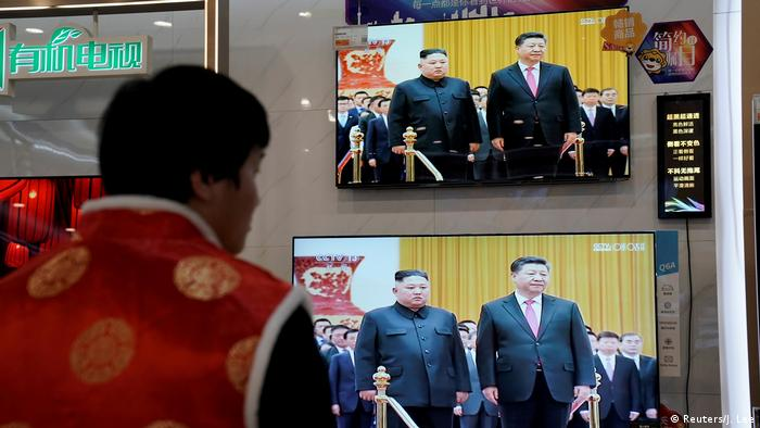 Xi Jinping in Nordkorea (Reuters/J. Lee)