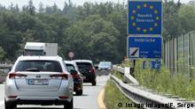Österreich | Schilder an der Staatsgrenze zu Österreich