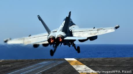 US-Militär | F/A-18 Super Hornet Jet (Getty Images/AFP/A. Pizzoli)