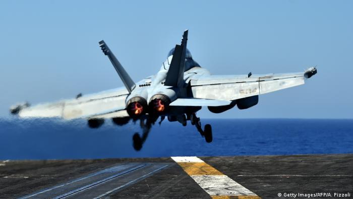 US-Militär | F/A-18 Super Hornet Jet (Getty Images/AFP/A. Pizzoli)