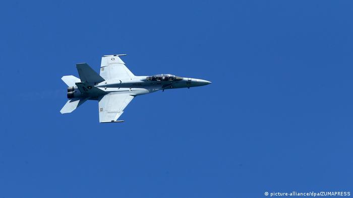 Американський Boeing F/A-18 - потенційний наступник Tornado
