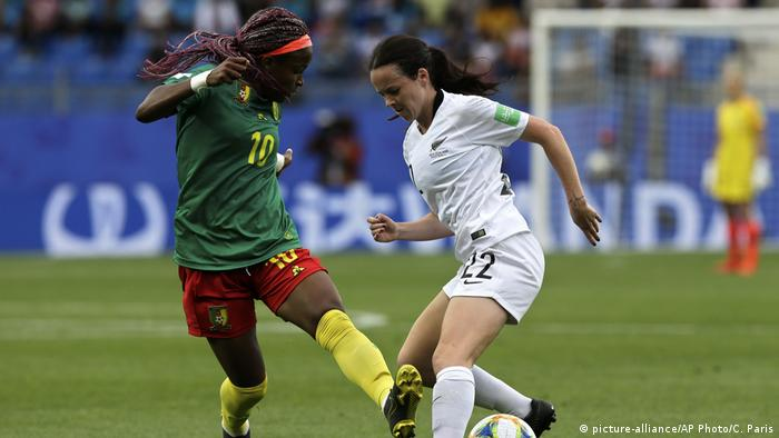 FIFA Frauen-WM 2019 | Kamerun - Neuseeland (picture-alliance/AP Photo/C. Paris)
