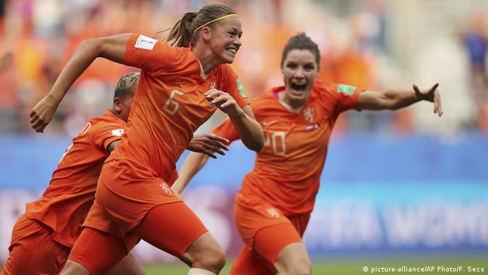 FIFA Frauen-WM 2019 | Niederlande - Kanada (picture-alliance/AP Photo/F. Seco)