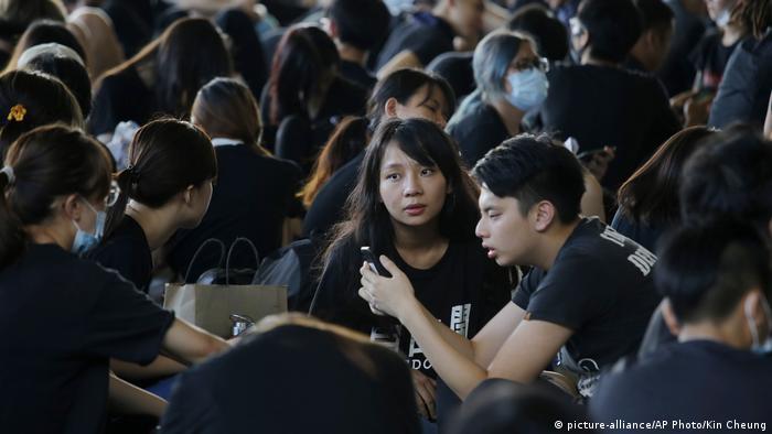 Hongkong Proteste gehen weiter (picture-alliance/AP Photo/Kin Cheung)