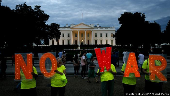 USA Spannungen mit dem Iran   Symbolbild (picture-alliance/AP Photo/J. Martin)