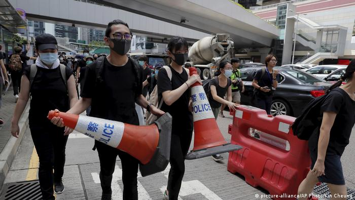 Hongkong Proteste gehen weiter (picture-alliance/AP Photo/Kin Cheung)