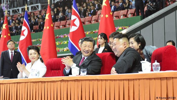 Xi Jinping in Nordkorea mit Kim Jong Un (Reuters/KCNA)