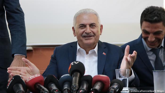 Бинали Йълдъръм е известен с лоялността си към Ердоган