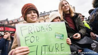 Deutschland Fridays for Future-Demo in Frankfurt/Main (picture-alliance/dpa/F. Rumpenhorst)