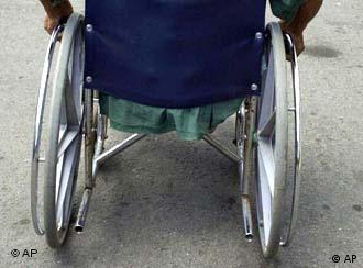 Rollstuhl von hinten (undatiert, Quelle: AP)