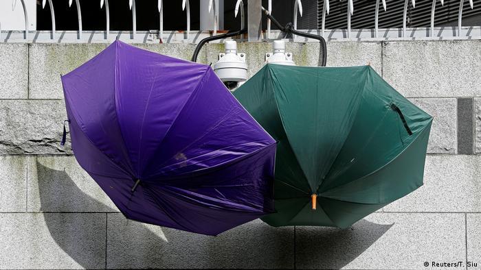 BdTD Hongkong Regenschirme Kameras