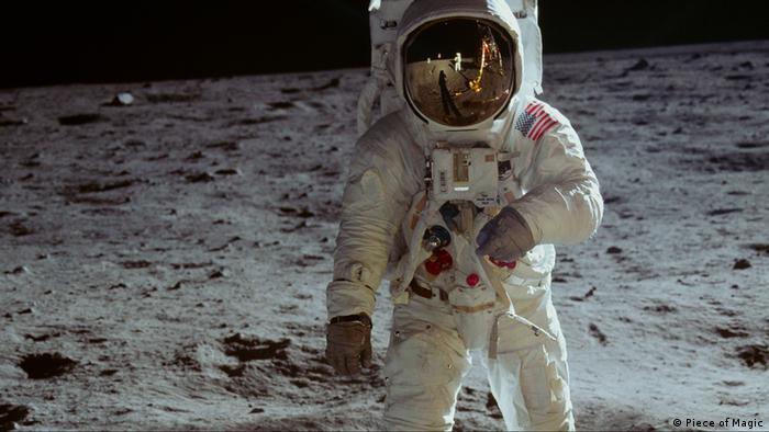 Filmstill aus Apollo 11: Astronaut auf dem Mond - Die wahre Geschichte der ersten Mondlandung