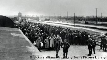 Η επιλογή των νεοαφιχθέντων Εβραίων στο σταθμό του Άουσβιτς-Μπίρκεναου