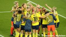 Soccer Football - Women's World Cup - Round of 16 - Sweden v Canada - Parc des Princes, Paris, France - June 24, 2019 Sweden players celebrate with a team huddle at the end of the match REUTERS/Lucy Nicholson