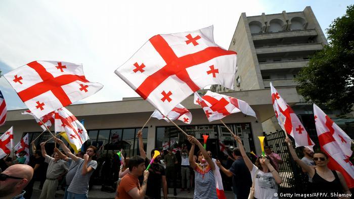 Proteste in Tiflis trotz Zugeständnissen