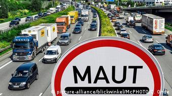 German highway (picture-alliance/blickwinkel/McPHOTO/C. Ohde)