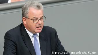 CDU'lu Nick'e göre mültecilere dair kalıcı çözümler üretilmeli