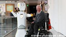 Erster Sozialer Roboter mit KI in Irland (picture-alliance/dpa/B. Lawless)
