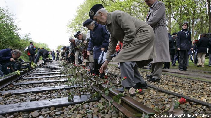 Dutch railway to compensate Holocaust survivors