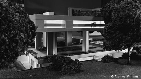 A model of the planned German ambassador's residence in Buenos Aires, based on a design from The Architects Collaborative(Archivo Williams )