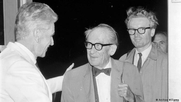 Williams, Gropius and Cvijanovic greeting each other in Buenos Aires for two weeks