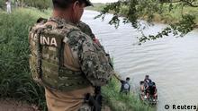 Mexiko Grenze Fluss Vater und Tochter Flucht USA Konflikt Migration