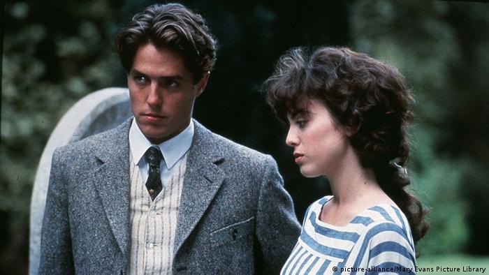 James Ivory filmó esta historia de un amor infeliz en Gran Bretaña en la década de 1910. Maurice (James Wilby) y Clive (Hugh Grant) asisten a la misma universidad.