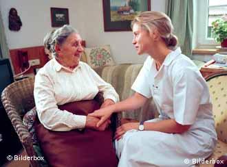 Velhice requer assistência
