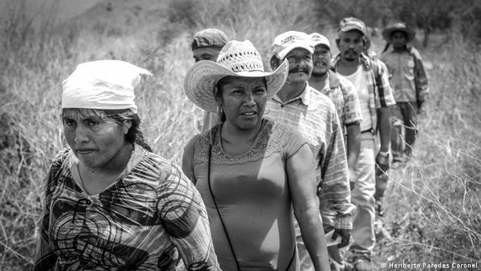 A principios de 2015 hubo un proceso de reparto agrario, un largo anhelo de la comunidad tras la lucha por la recuperación de la tierra. En el largo recorrido a través de 104 hectáreas, las mujeres lideraron el proceso que culminó con la asignación de 2 hectáreas a 52 familias. Las primeras 25 representantes fueron mujeres que prometieron cultivar la tierra y no enajenarla, rentarla o venderla.